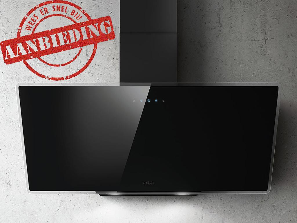 ELICA SHIRE 90 CM ZWART/GLAS schuine wand afzuigkap voor montage aan de muur  >> SPECIALE ZOMER ACTIE, NU MET EXTRA KORTING <<  - 713 m3/h, 272W - max. 68 db(A) - 2x1W LED 4.000K verlichting  - soft-touch control bediening - vetfilters aluminium - afstand kookplaat min. 55 cm (inductie) - afstand kookplaat min. 60 cm (gas) - afvoeraansluiting 150 mm - energieklasse: B - geschikt voor luchtafvoer en recirculatie (koolstoffilterset extra bijbestellen)  Accessoires optioneel:  - CFC0038668 = koolstoffilter set  Standaard actief koolfilter: Koolfilter met een levensduur van ongeveer 3-4 maand bevat kool granulaat en vangt circa 60% van geuren.  High Performance actief koolfilter: Vangt meer geur en wordt gemaakt door polyurtethaan en kool, het kan niet in de vaatwasser worden gewassen, heeft een levensduur tijd van circa 5-6 maand, maar het vangt meer dan 80% van geuren.  Long Lasting (Longlife) actief koolfilter: langste levensduur, de koolfilter wordt gemaakt door polyurethaan in combinatie koolstof. De levensduur is ongeveer 3 jaar, het kan regelmatig in de vaatwasser worden gewassen, het vangt circa 60% van de geuren.